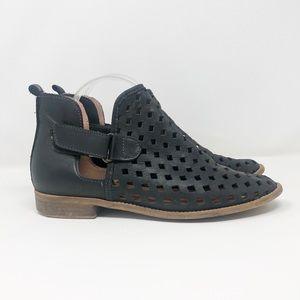 Musse & Cloud Calia Black Leather Cutout Bootie 9